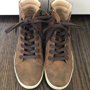 UGG Shoes - 8.5 Ugg Boots